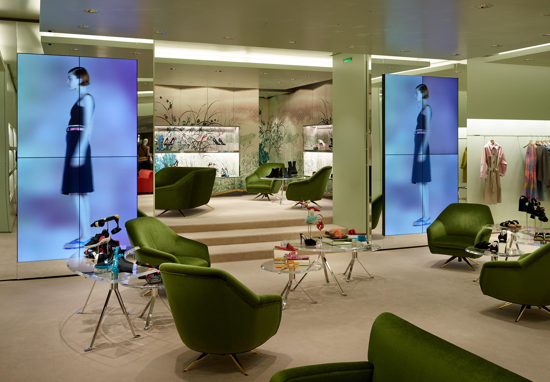 Prada_Modular-Design_Avenue-Montaigne_Paris-3.jpg